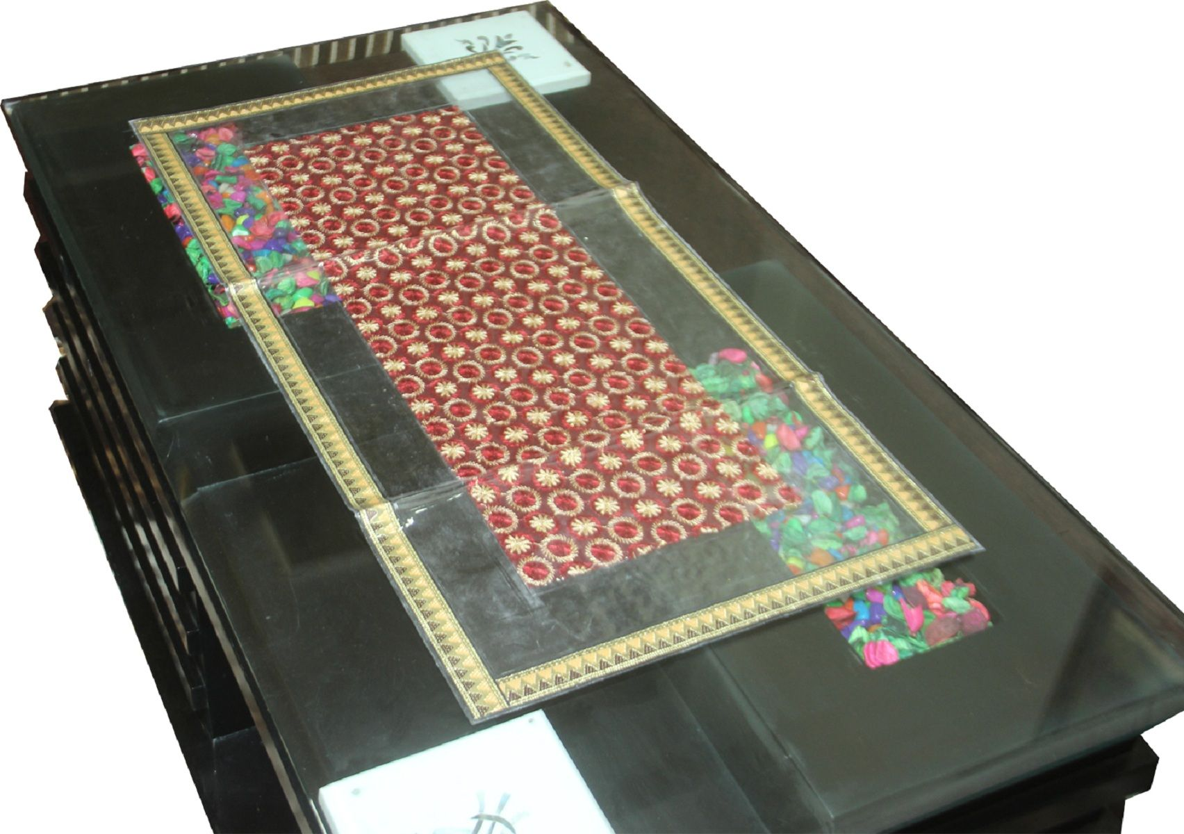 Kuber Industries™ Luxurious Laminated Maroon Patch Design Combo of Table Runner & Set of 6 Place Mat  (Golden Lace) Code-PLTAB04